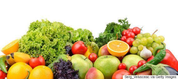 흡연자라도 과일·채소 많이 먹으면 폐질환 걸릴 위험이 40% 줄어든다