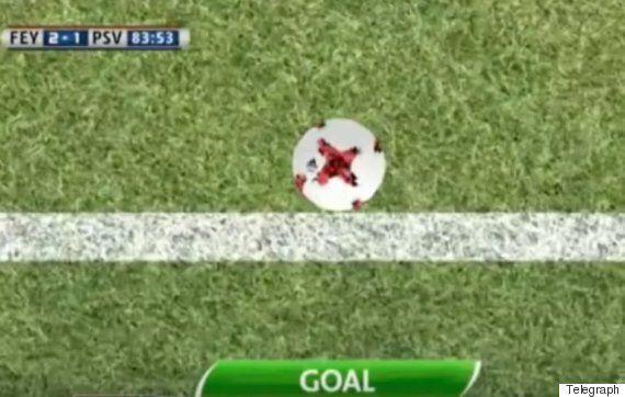 세상에서 가장 억울하고 슬픈 자책골이 PSV 아인트호벤의 경기에서