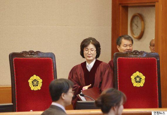 헌법재판소가 박근혜 측에 '최후통첩'을 했다. 27일이