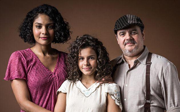Bárbara Reis, Gabriella Saraiva e Cássio Gabus Mendes no elenco do remake de Éramos...