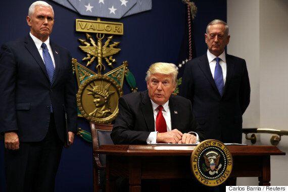 백악관 수석 전략가는 세상에 종말이 다가오고 있다고