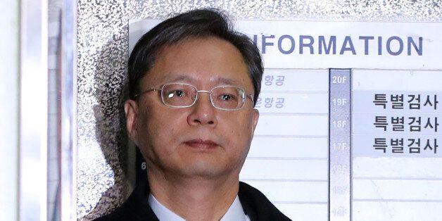 우병우 전 청와대 민정수석비서관이 18일 오전 서울 강남구 대치동 특검 조사실로 향하고