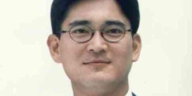 이재용 부회장은 2001년 3월 33살의 나이에 삼성전자 경영기획실 상무보로 본격적인 경영 수업에
