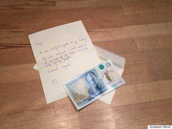 북아일랜드의 한 여성이 7천만원 짜리 5파운드 지폐를 기부한