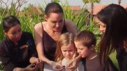 안젤리나 졸리가 자기 아이들에게 벌레 먹는 법을