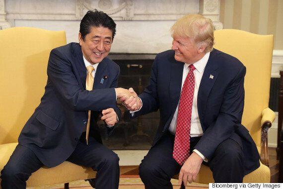 트럼프와 아베가 백악관에서 만나 훈훈한 대화를