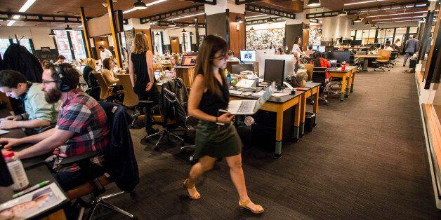 허핑턴포스트가 노조 계약 승인으로 단체 협약 체결 최대 디지털 뉴스 사이트가