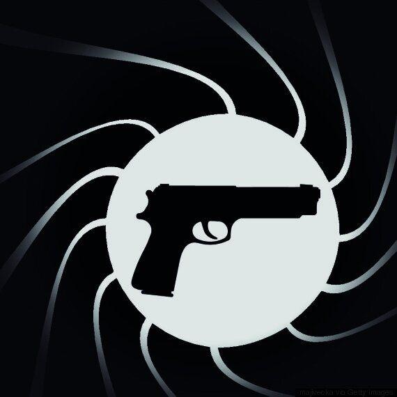 영국 MI6 국장이 영화 '007' 큐 박사 실제를
