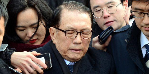 김기춘은 김종덕 전 문체부 장관에게서 '블랙리스트' 보고를