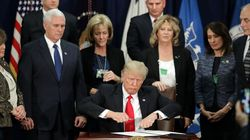트럼프가 국경에 벽을 세우는 행정명령에