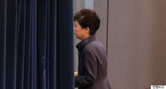 모처럼 나타난 문창극이 박근혜를 '대한민국에 시집 온 며느리'에