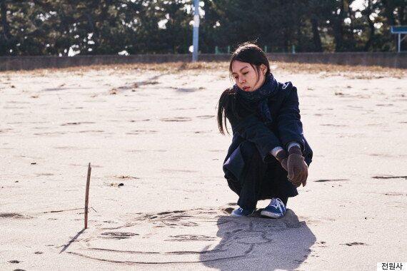 홍상수 감독의 신작에서 김민희는 노래를