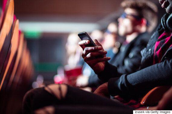 [루머] 아이폰이 영화관 내 스마트폰 사용을 위한 '영화관 모드'를