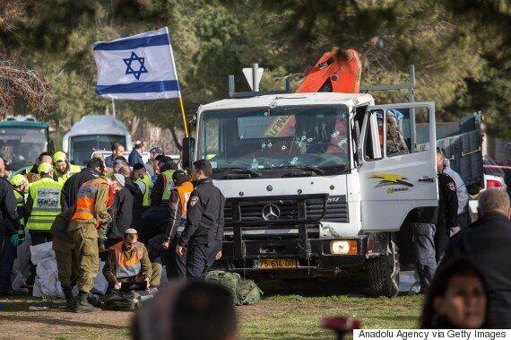 예루살렘에서 이스라엘 군인을 겨냥한 '트럭돌진' 공격으로 4명이