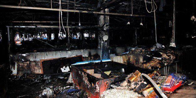 여수 수산시장서 화재가 발생해 100개 넘는 점포가 피해를