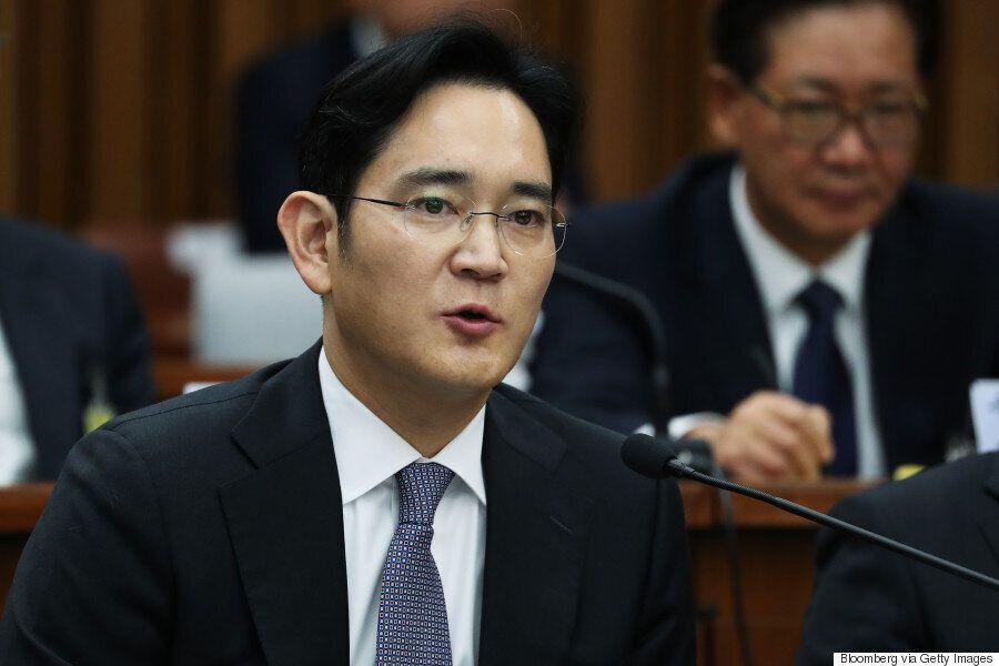 삼성 이재용이 '뇌물공여' 혐의 피의자로 특검에
