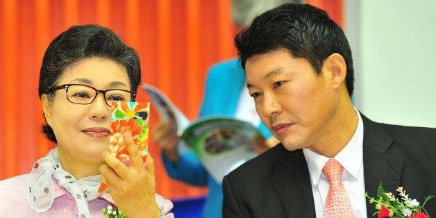특검이 '박근혜 5촌 조카 살인사건' 등을 확인하기 위해 박근령 남편 신동욱을