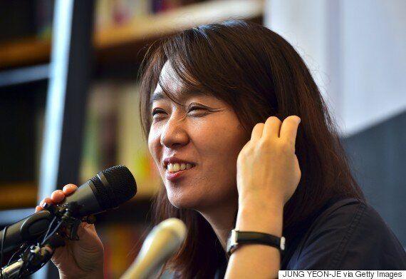 박근혜는 맨부커상 수상자 한강에게 축전 보내자는 제안을