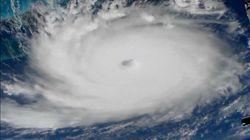 L'ouragan Dorian rétrogradé en catégorie 2 déferle sur la côte