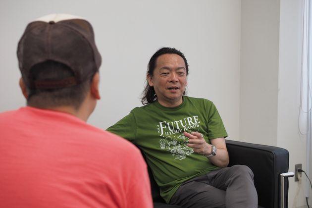 (手前)村橋ゴローさん、(奥)『ファザーリング・ジャパン』代表理事・安藤哲也さん