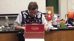 크리스마스 선물 받은 선생님의 엄청난