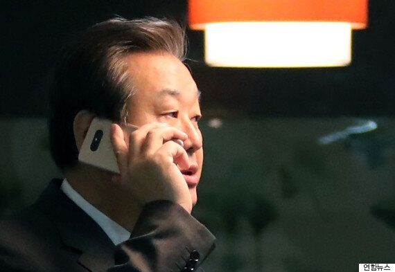 김무성은 '일주일만 기다려보고 탈당 여부를 결심하겠다'고 말했다고
