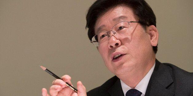 이재명 성남시장이 28일 오후 서울 중구 한 음식점에서 연합뉴스와 인터뷰하고