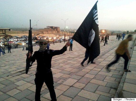 이슬람 극단주의 테러리스트들이 '신은 위대하다'를 외치는