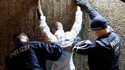 독일 경찰이 성범죄 막는다며 이민자를