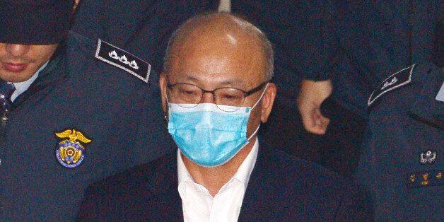 특검이 박 대통령 뇌물 혐의를 향해 달려간다 : '연결고리' 문형표 전 장관