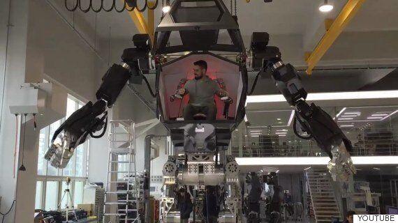 이것은 한국이 만든 탑승형 이족보행 로봇