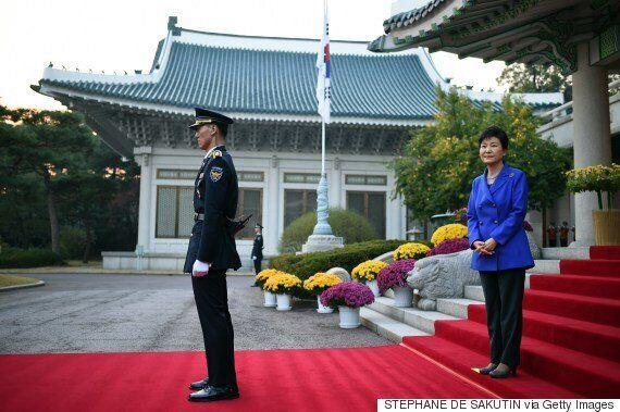 박근혜가 2년차에 공식일정 없이 보낸 날은 129일이나 된다. 이명박의 두배가