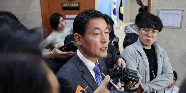새누리당 비주류 황영철 의원이 20일 오후 국회 정론관에서 비주류 모임 결과를