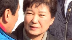 박근혜가 정치적 고향이나 다름없는 대구 서문시장 화재 현장을 찾았으나 상인들의 반응은