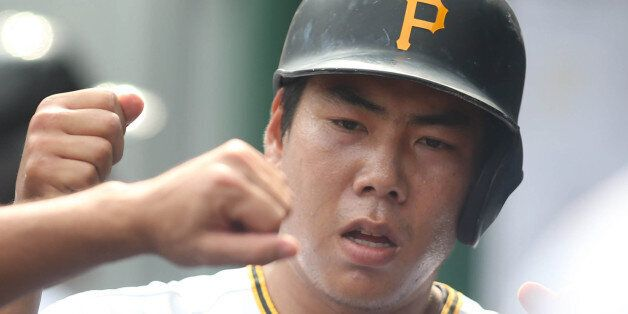 Jun 13, 2015; Pittsburgh, PA, USA; Pittsburgh Pirates pitcher Charlie Morton (L) greets Pittsburgh Pirates...