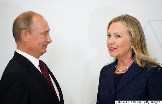힐러리 클린턴이 처음으로 '러시아 해킹'을 언급했다. 무척