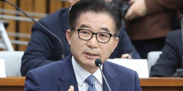 '현직 부총리급 정윤회에 수억원 주고 인사청탁했다'는 폭로가 청문회장을