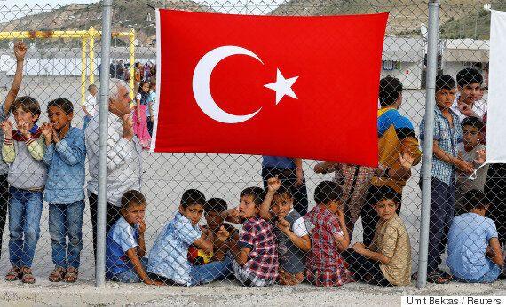 터키가 '우리를 계속 압박하면 난민을 풀어버리겠다'며 유럽을
