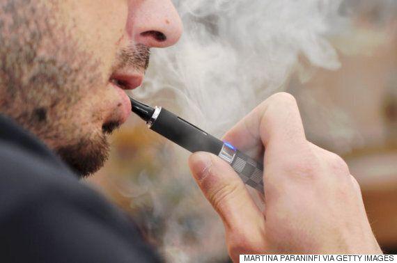 바지 주머니에서 전자담배가 폭죽처럼 터져버리는 사고가