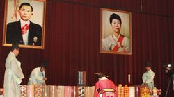 육영수 여사 생일에 울려퍼진 박 대통령 담화문에 주민들은 눈시울을