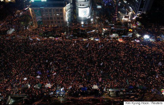 서울과 전국 곳곳에서 '박근혜 퇴진' 사상 최대 촛불이