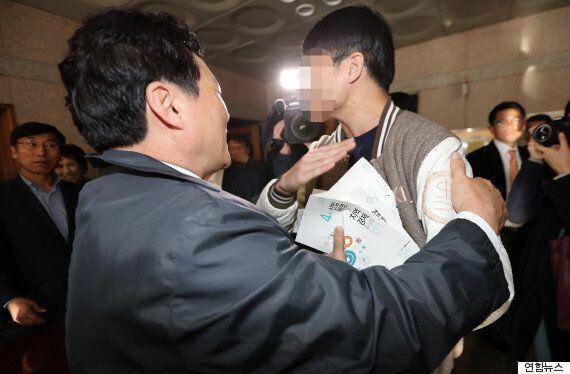 김무성이 '강연 정치'를 하겠다며 이 대학 저 대학 다니는데 비난이 쇄도하고