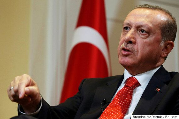 터키 에르도안 대통령이 개헌을 통한 '영구 집권'을 꿈꾸고