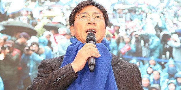 '박근혜 퇴진' 촛불집회에 참석한 안희정 충남지사는