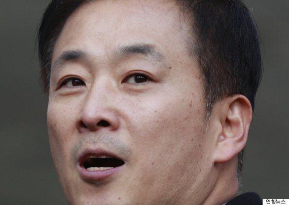 '피의자' 신분인 박근혜 대통령은 검찰의 대면조사 요청에 사흘째 아무런 대답이