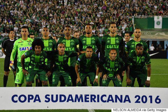 이 브라질 축구선수들이 탄 비행기가