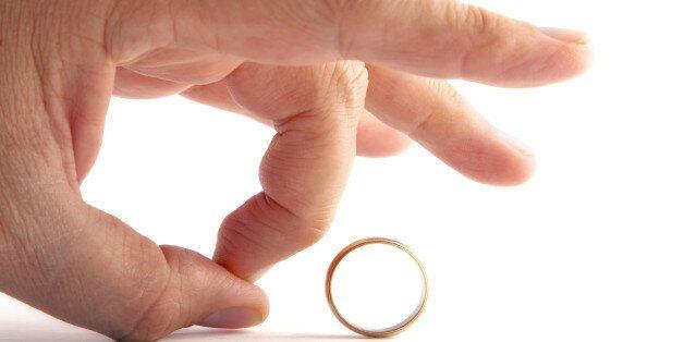 당신이라면 이런 상황에서 결혼한 남자의 '정부(情婦)'가 되기를 승낙할 수