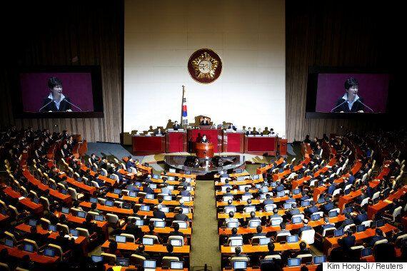 헌법에 따른 대통령 탄핵 절차와 성사 가능성을 알아보자.