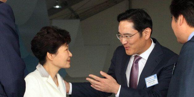 박근혜가 직접 재벌 회장들에게 '최순실 재단'에 자금 출연을 요청했다