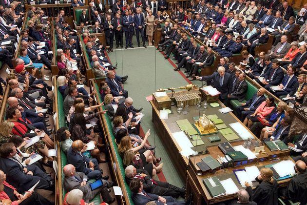 Brexit: après le double revers de Johnson, les scénarios